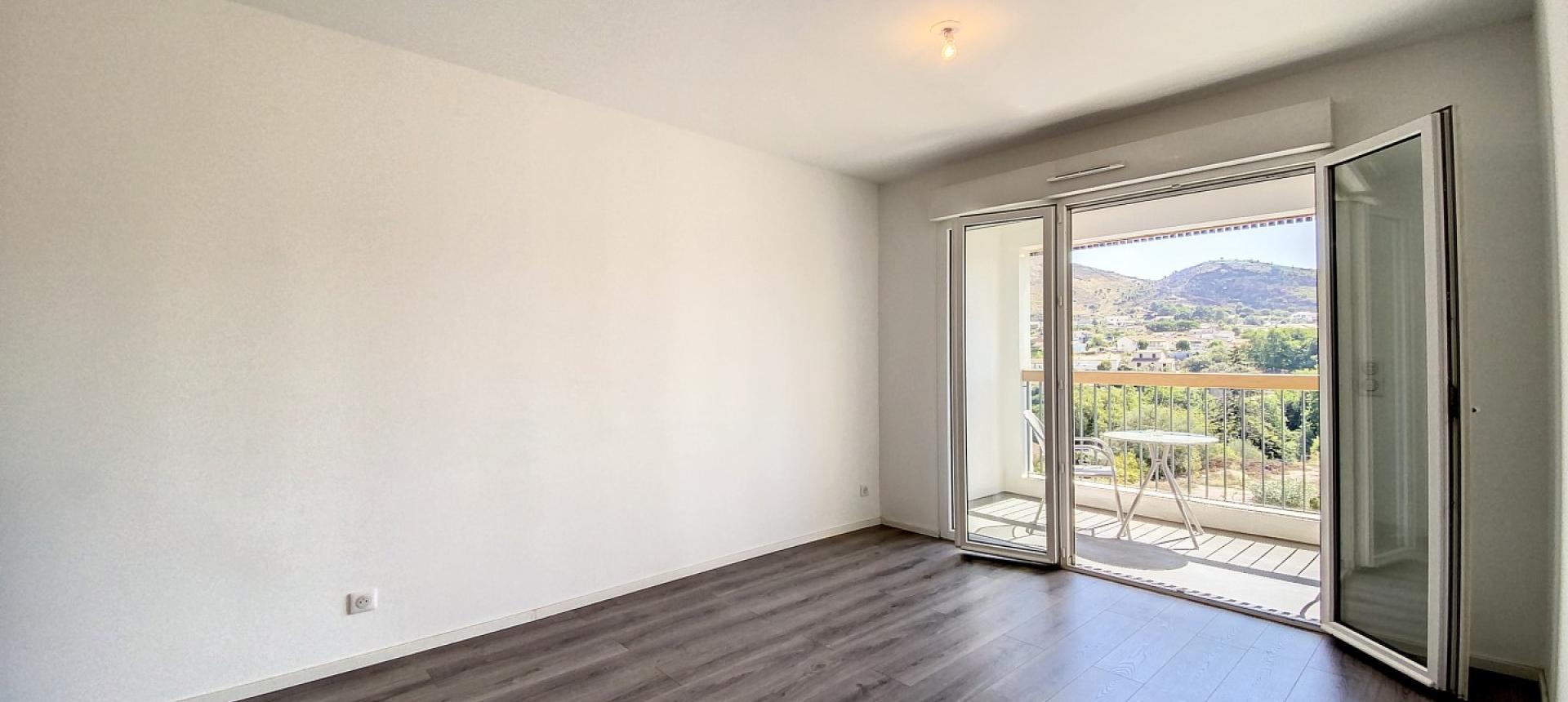 Séjour - Vente appartement T2 à Ajaccio secteur Mezzavia