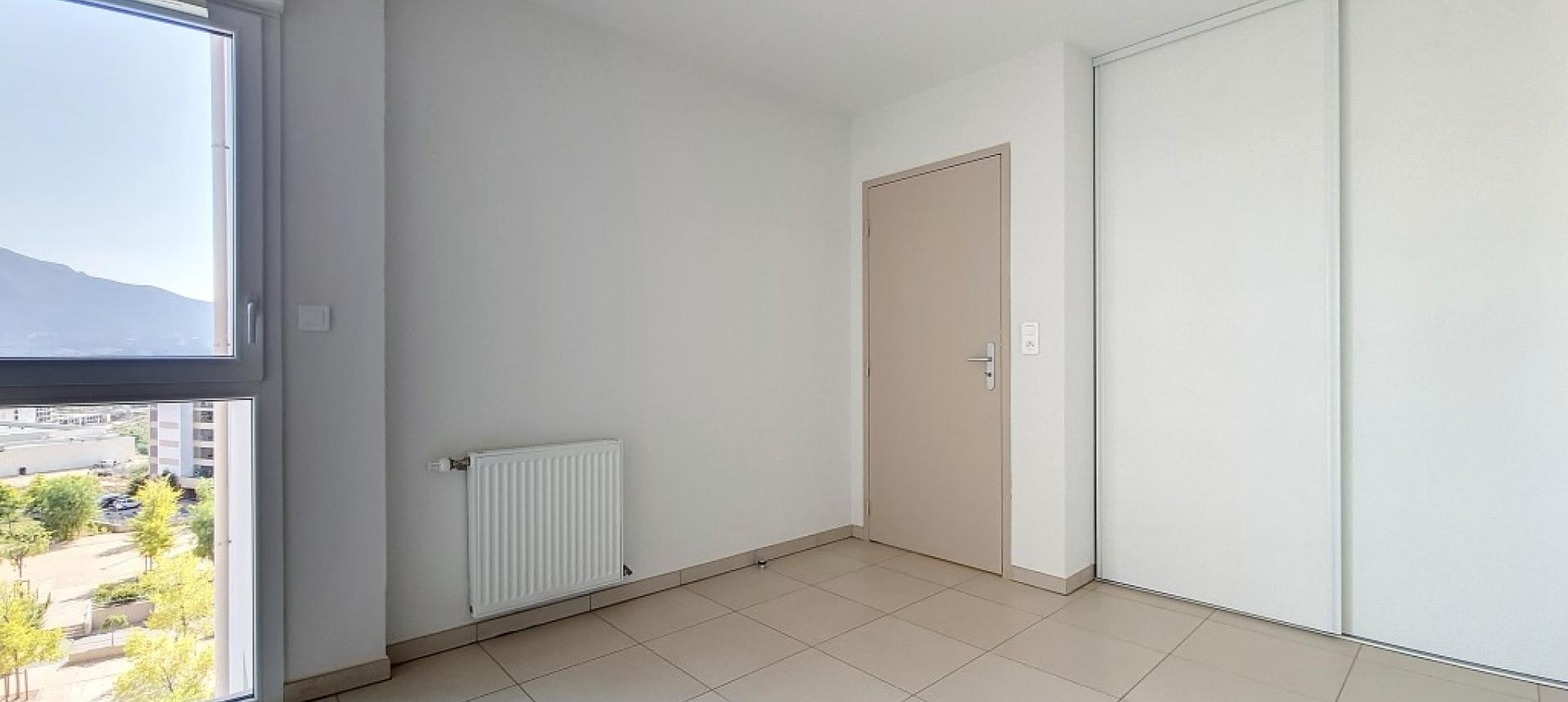 F4 à louer secteur Atrium le Nerval chambre 2