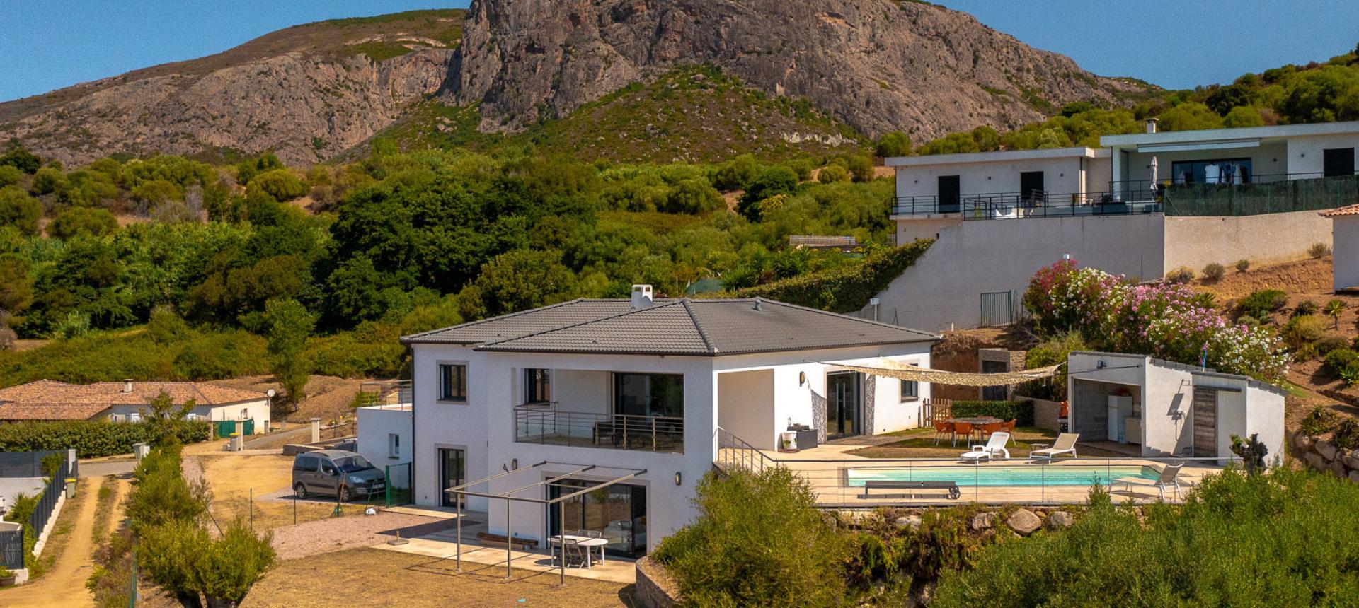 vue d'ensemble villa proche AJACCIO