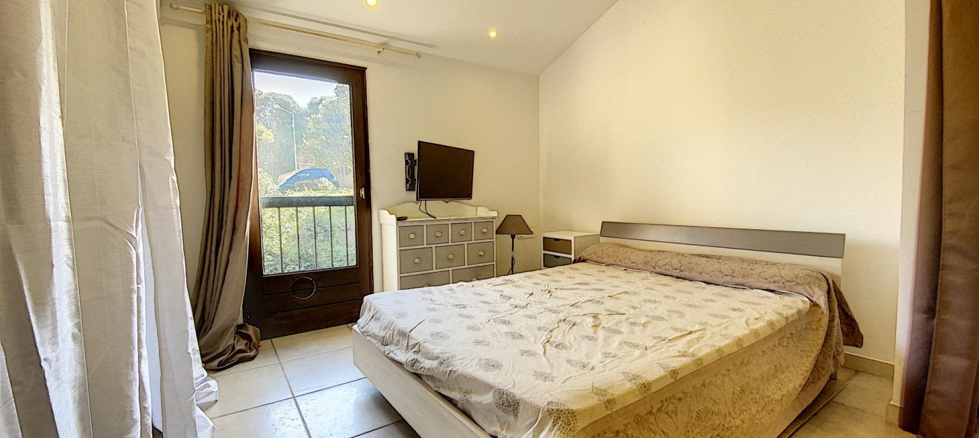 à vendre f2 duplex aspretto chambre