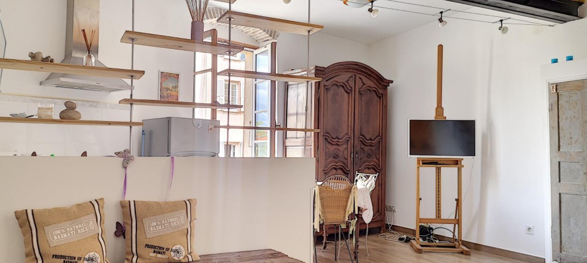 F2 meublé à louer au cœur de la ville d'Ajaccio- Séjour