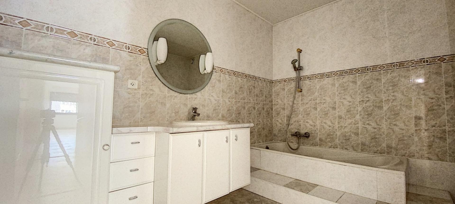 F3 Quartier des étrangers Ajaccio - Salle de bain