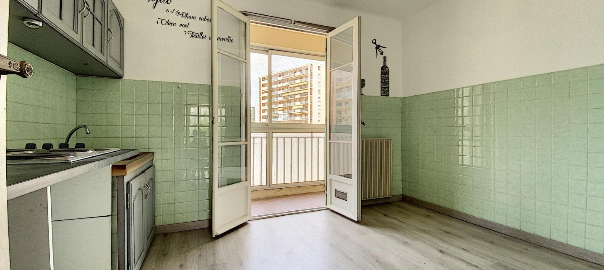 A vendre appartement F3 proche centre-ville - Vue cuisine 2