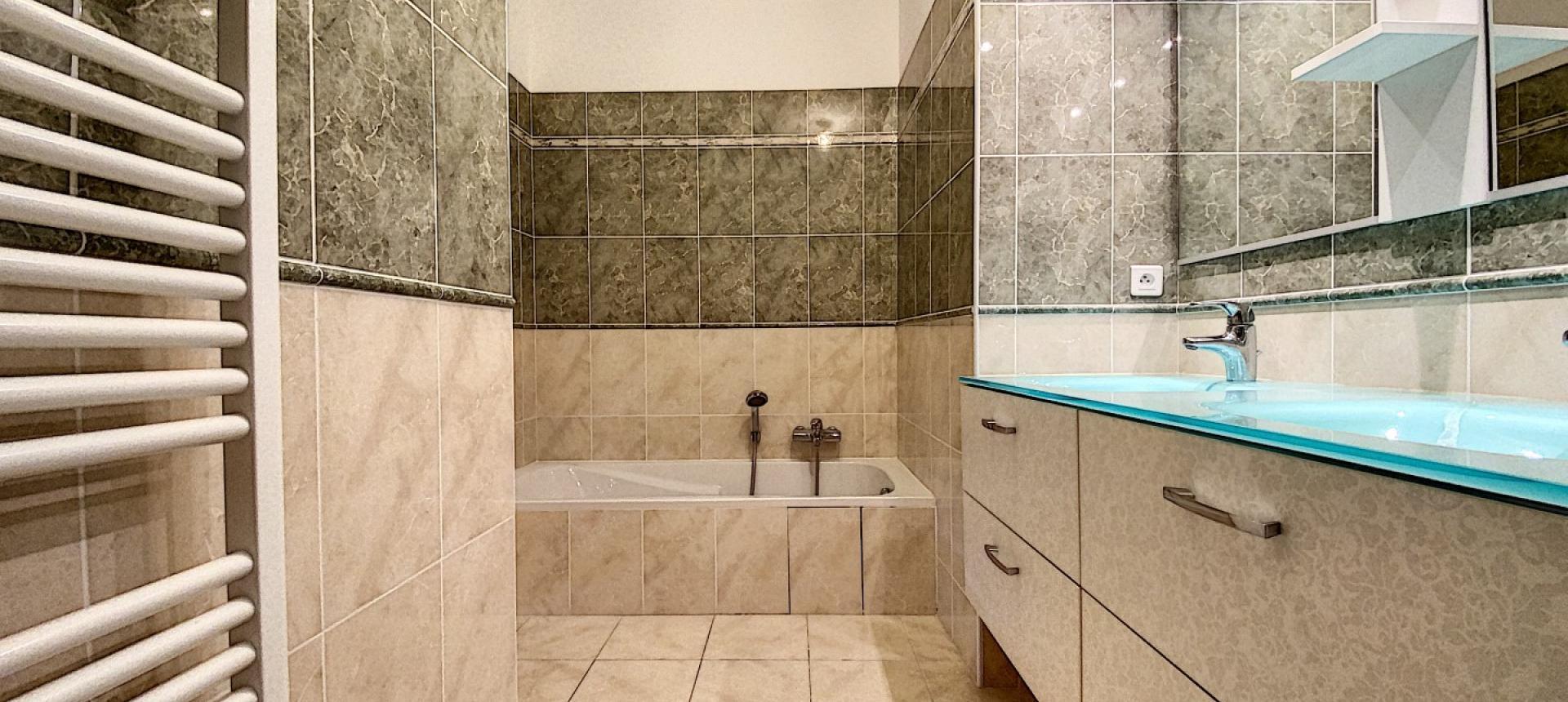 Salle de bain 2 F3 Cyclamens