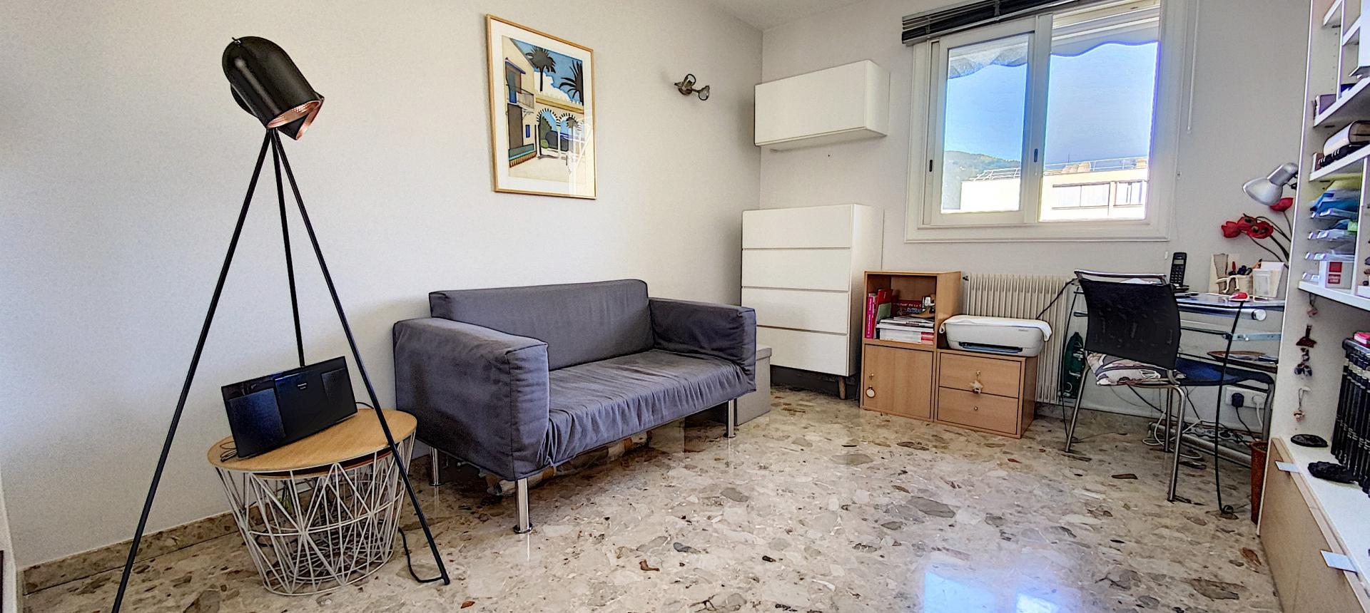 F3 à vendre à ajaccio Parc-Azur chambre2