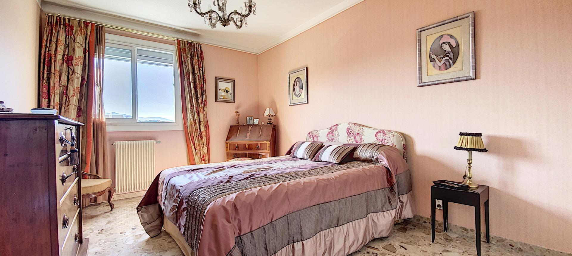 F3 à vendre à ajaccio Parc-Azur chambre 1