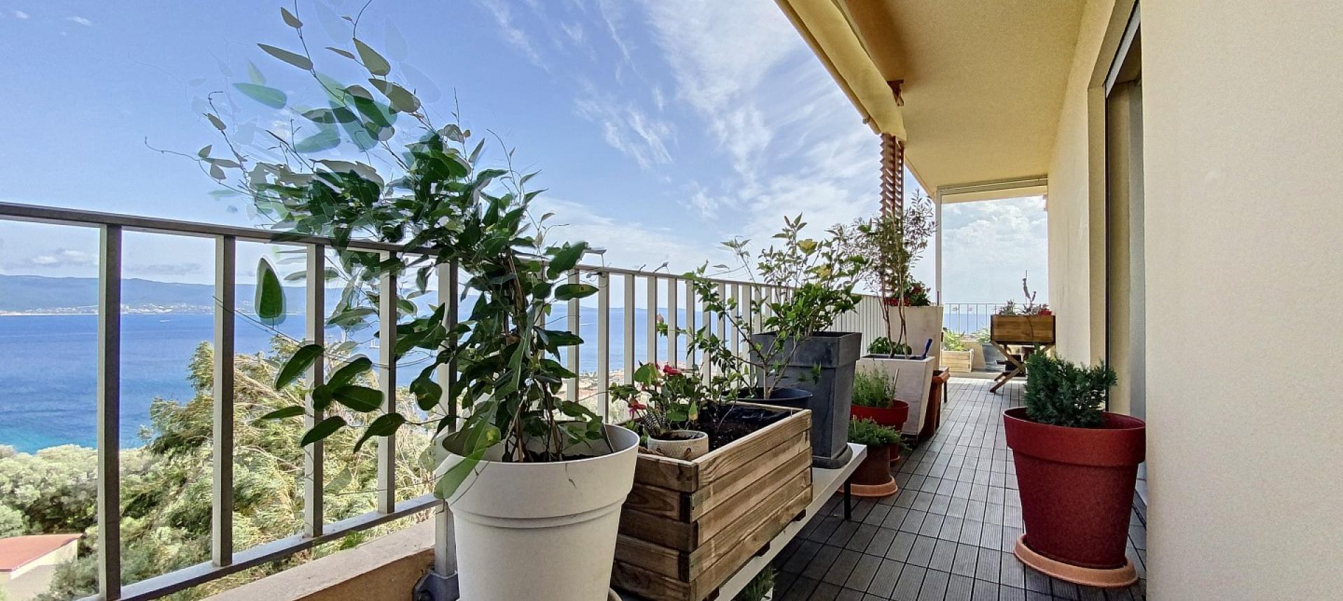 F4 à vendre Parc Belvedere à Ajaccio terrasse