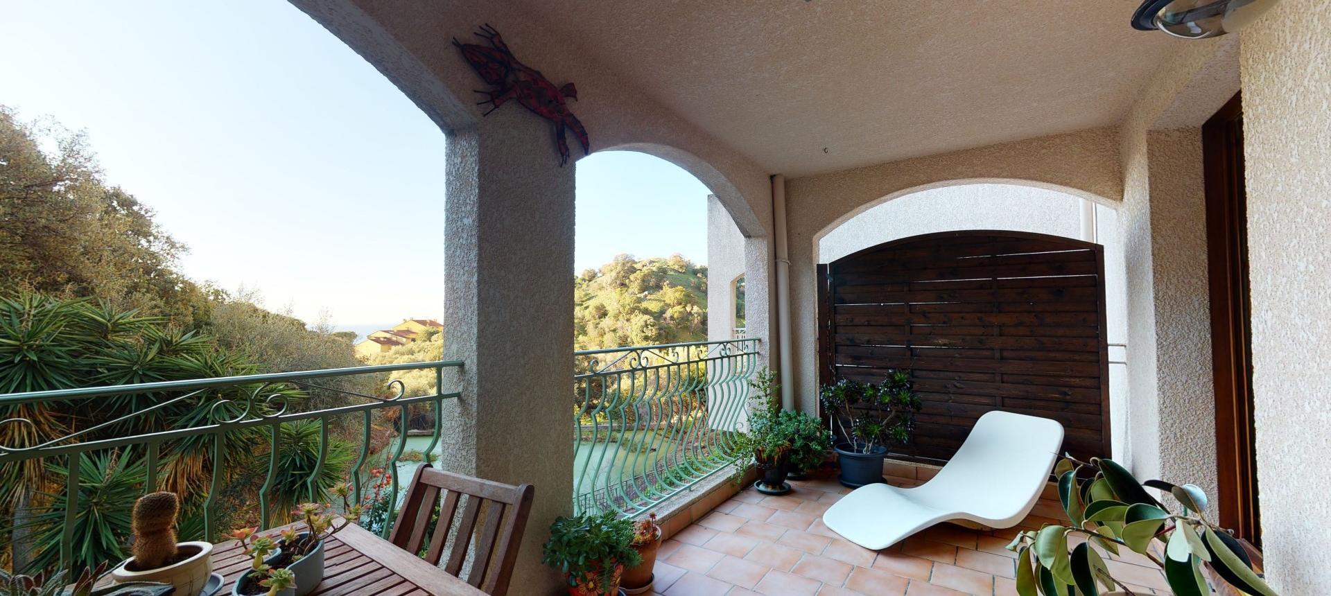 f4 balcons du golfe terrasse