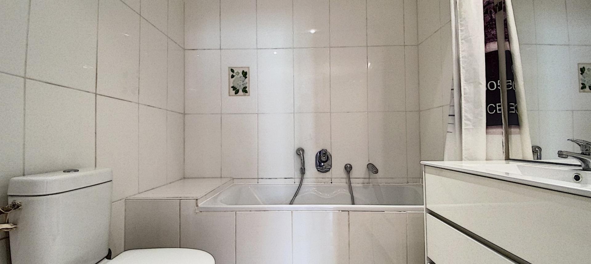 Vente d'un appartement F2 rénové-Centre historique Ajaccio - SALLE DE BAIN