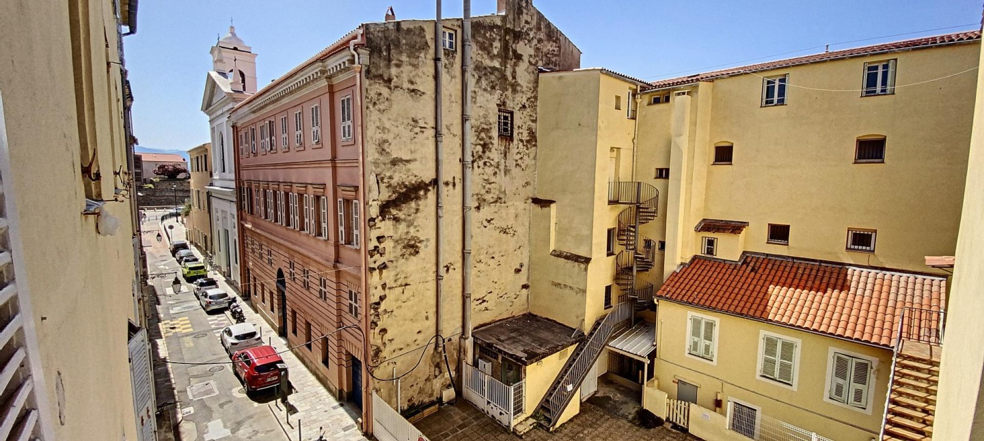 Vente d'un appartement F2 rénové-Centre historique Ajaccio - RUE FORCIOLI CONTI