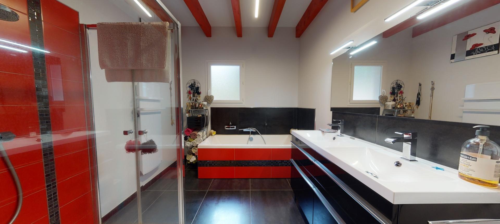 Villa à vendre proche Ajaccio - San Benedetto - Vue salle de bain - RDC