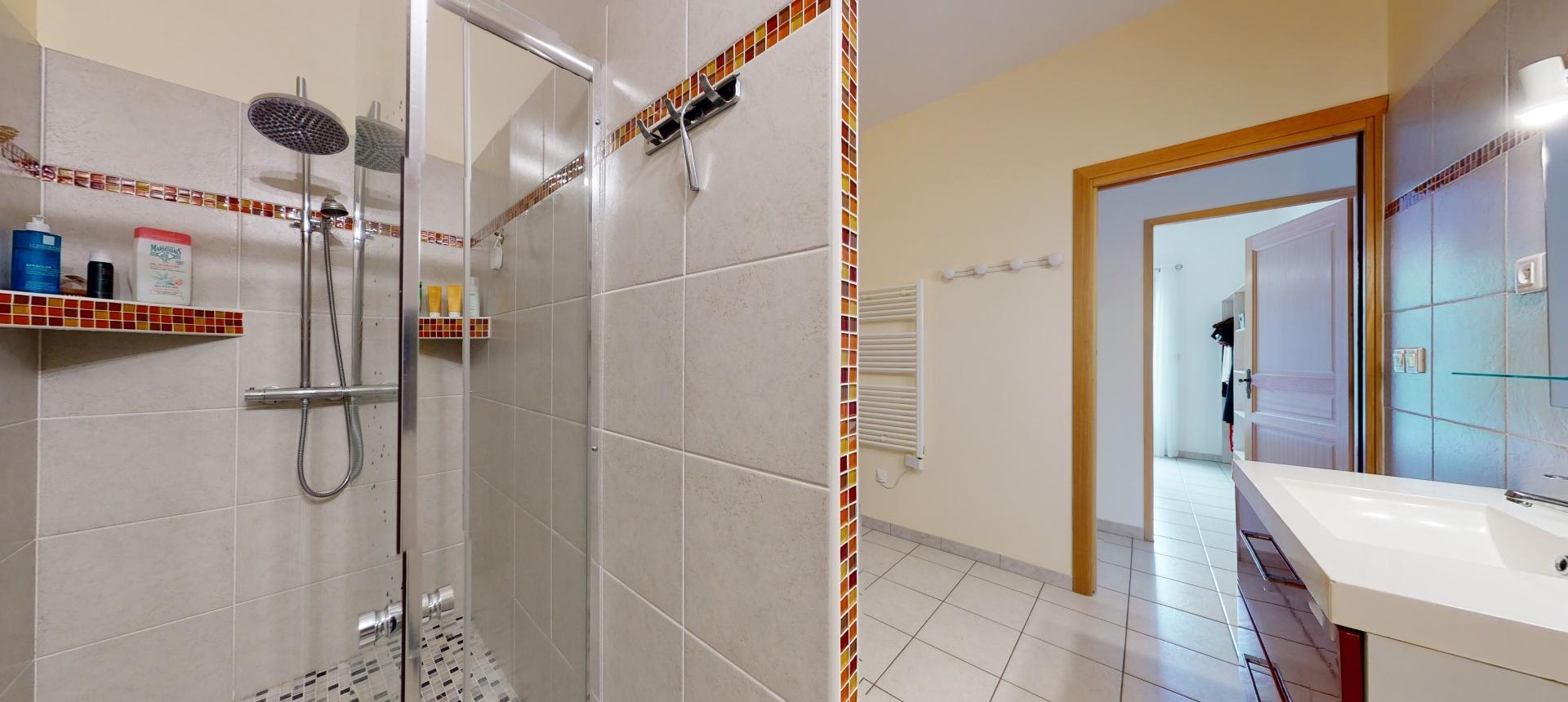 Villa à vendre proche Ajaccio - San Benedetto - Vue salle de bain - RDJ