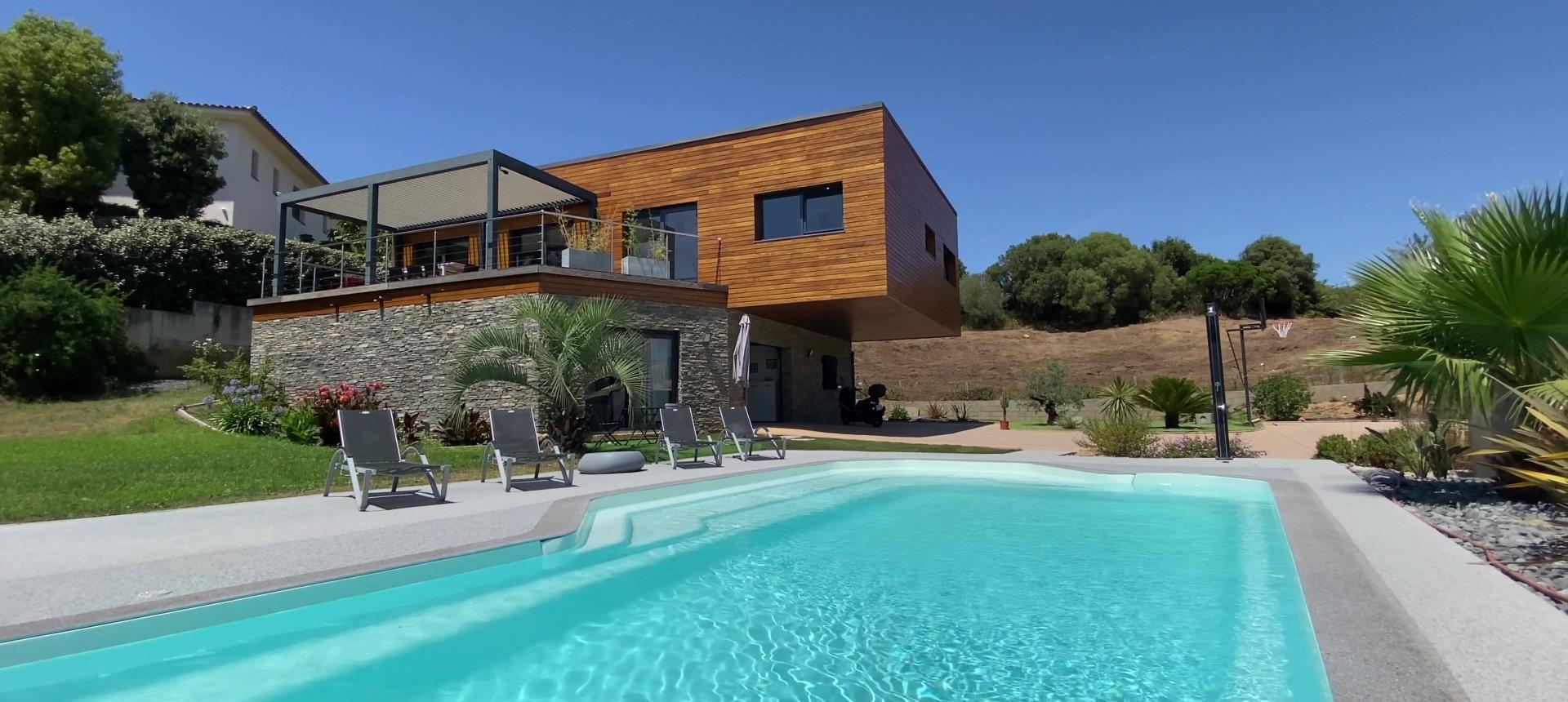 Villa d'architecte à vendre à AJACCIO piscine