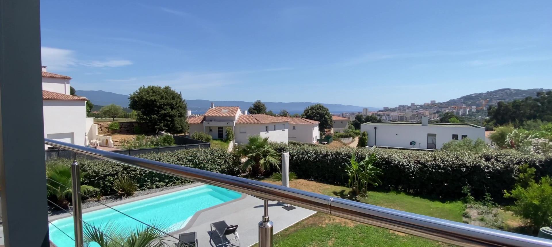 Villa d'architecte à vendre à AJACCIO terrasse
