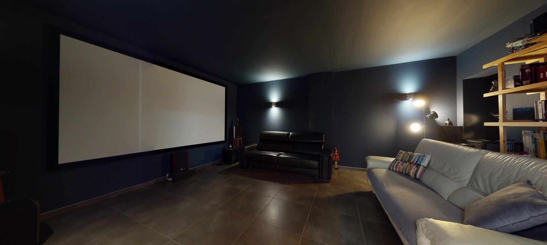 Villa d'architecte à vendre à AJACCIO salle cinema