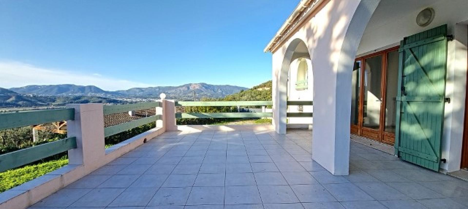 Villa à louer Bastelicaccia  terrasse avec vue