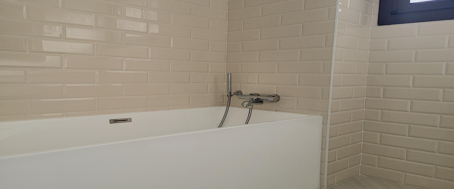F4 à louer Le Sologne salle de bains