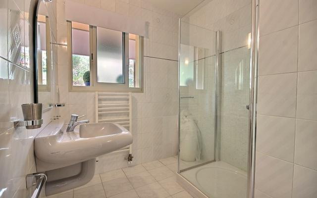 Salle de bain, A vendre, appartement F3, Salario à Ajaccio en Corse