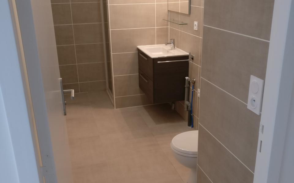 F2 à louer Stiletto salle d'eau