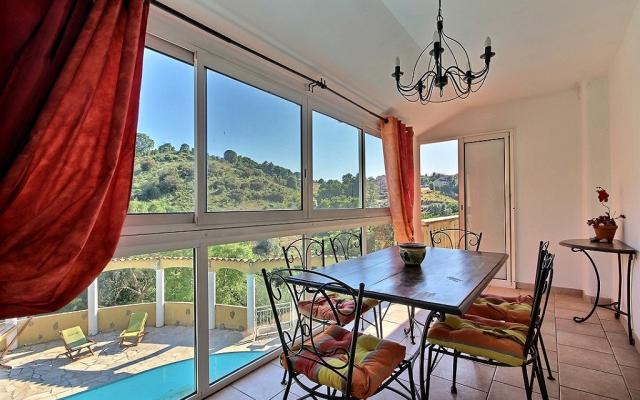 Veranda, Maison F4 a vendre, proche Mezzavia, En Corse, à Ajaccio.