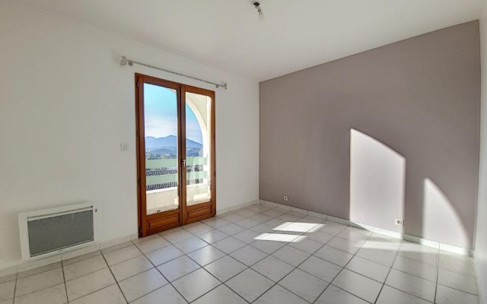 Villa à louer Bastelicaccia  chambre