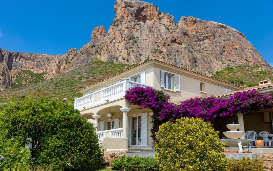 A vendre villa avec vue dégagée proche Ajaccio - AFA -EXTERIEUR VILLA MONT GOZZI